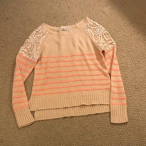 Long sleeve knitted shirt